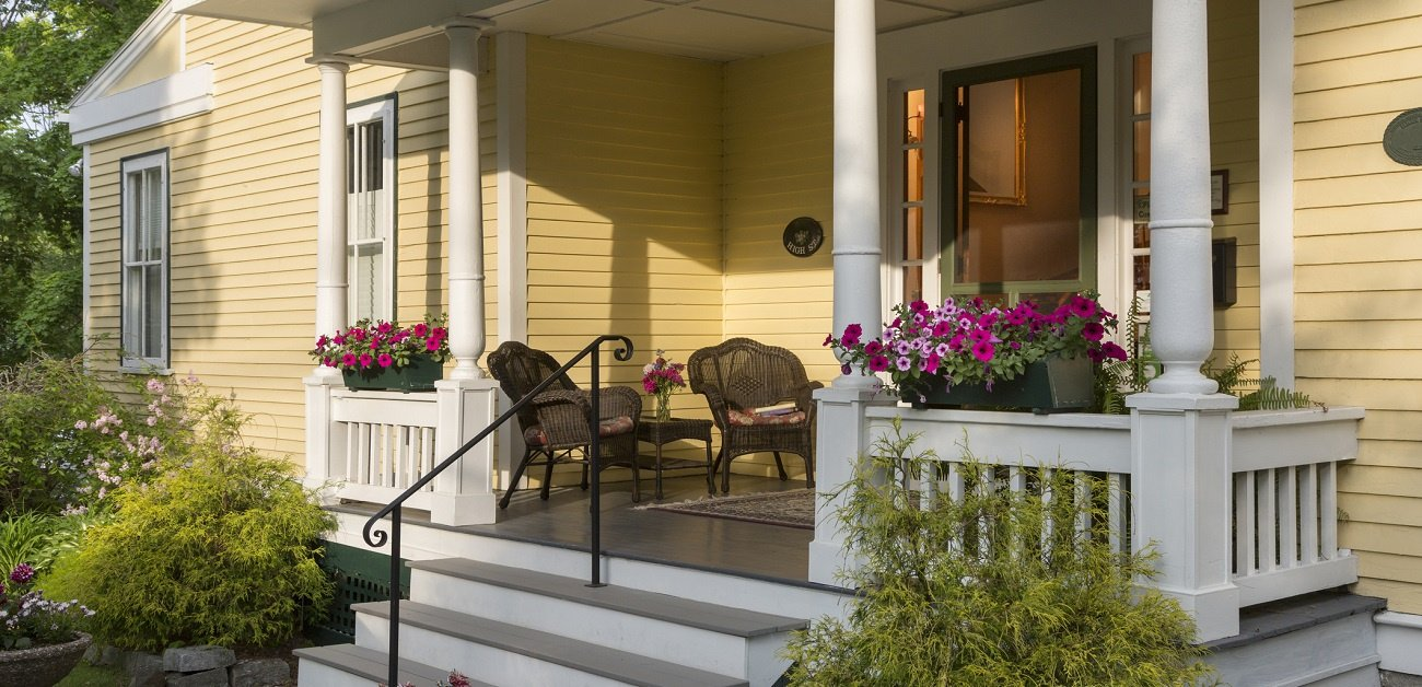 B&B's - Picture of a Bed and Breakfast showing the front porch on this beautiful home