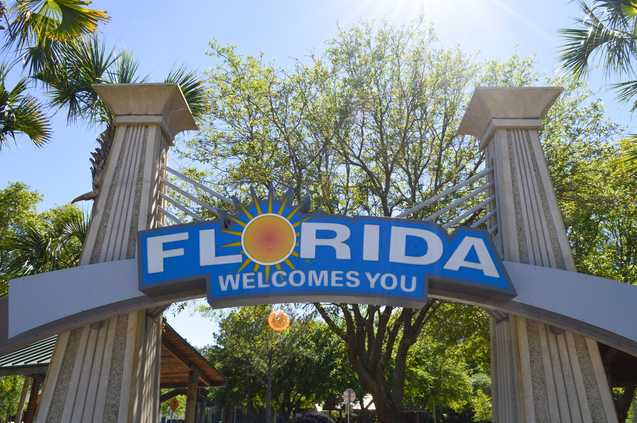 Picture of a Florida Welcomes You Sign to represent Floridians confidence up in June 2021