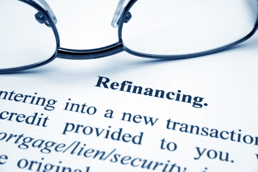 Refinancing graphic with glasses