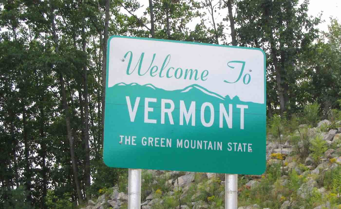 Welcome-to-Vermont-Road-Sign